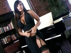 Scorching hawt Lisa Ann shows off her amazingly hawt body