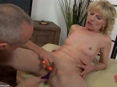 Naked mature blonde Margarette spreads her legs wide and acquires her fur pie stimulated with the help of several vibrators. This babe acquires squirting big O after unthinkable fur pie stimulation