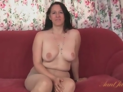 Chunky milf strips from her suit and pantyhose