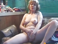 Woman screwed by a fellow in her tender cum-hole