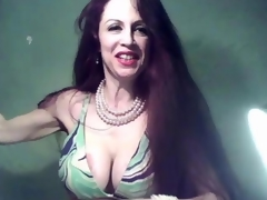 Sexy milf fingering her mature breathe online